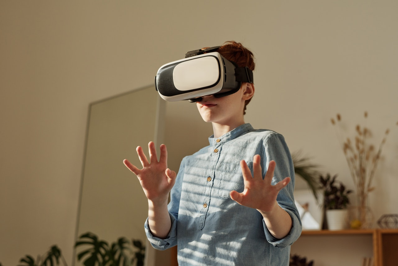 What Can Virtual Reality Bring To Schools?